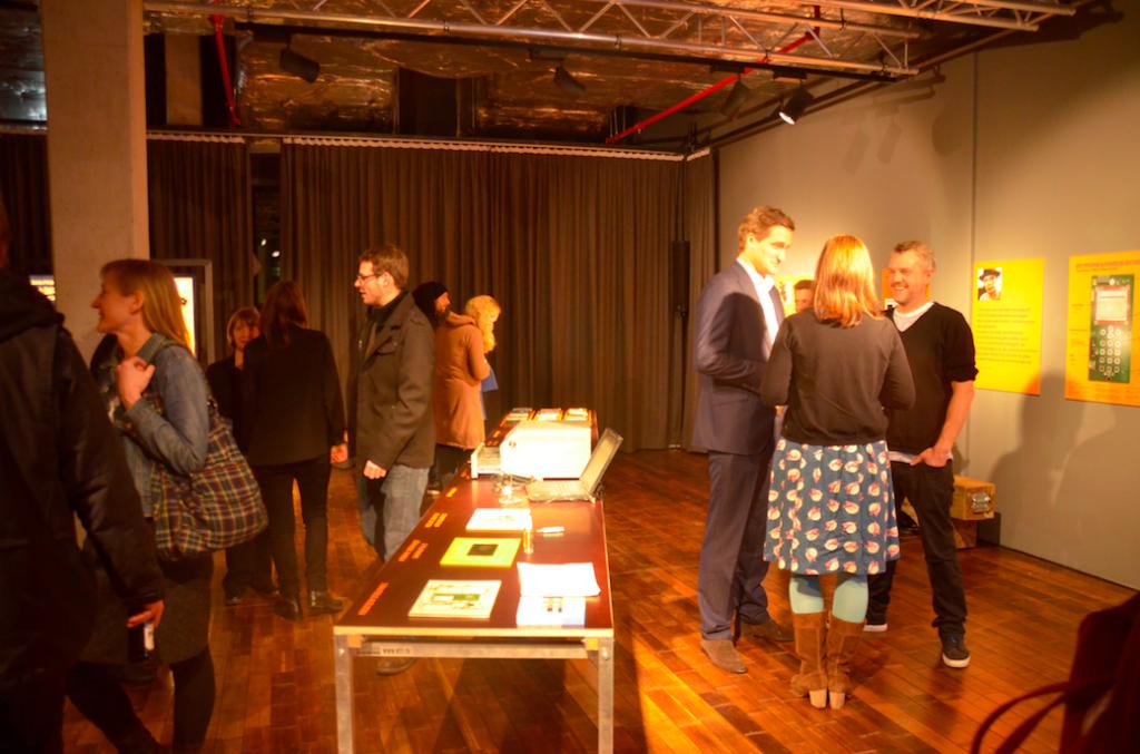 Fabrica DIY-Cellphone Exhibition im designxport Hafencity