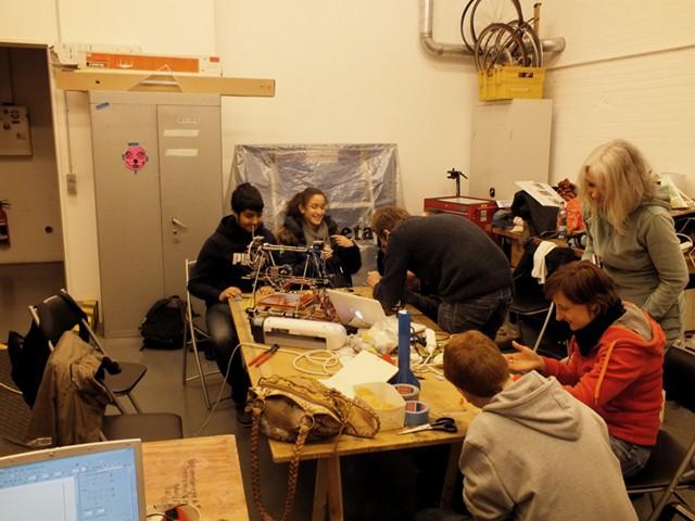 Schüler im Fab Lab Fabulous St. Pauli