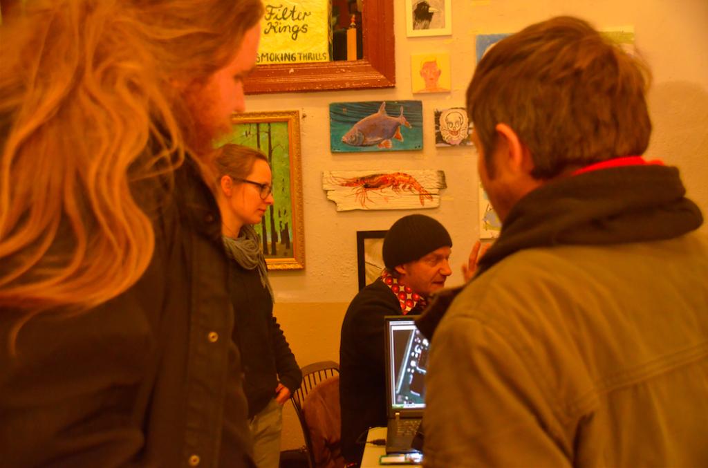 Fábrica DIY-Cellphone Ausstellung im Art Store St. Pauli