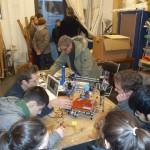 Schüler löten im Fab Lab Fabulous St. Pauli