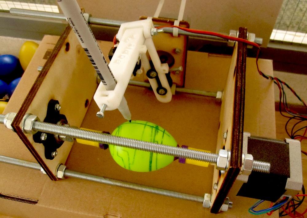 """Der als """"Eggbot"""" genutzte Spherebot"""