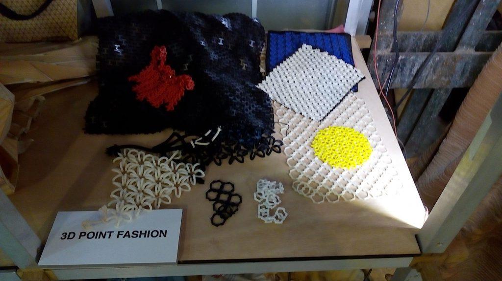 """Beispiele für Versuche mit 3D-gedruckten """"Textilien"""""""